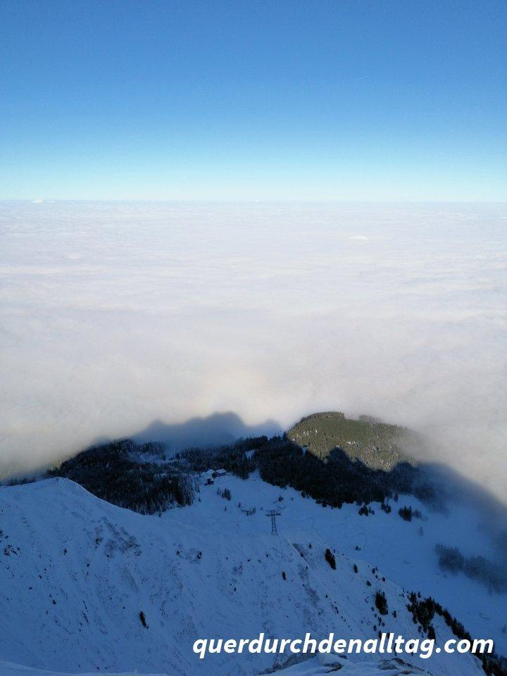 Pilatus über dem Nebel