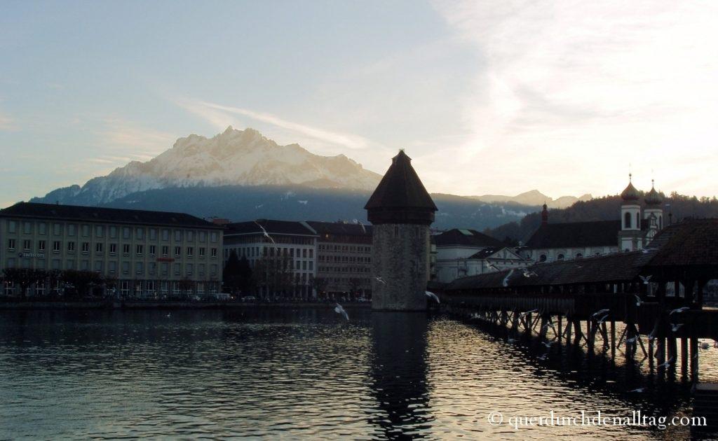 Luzern Kapellbrücke Pilatus