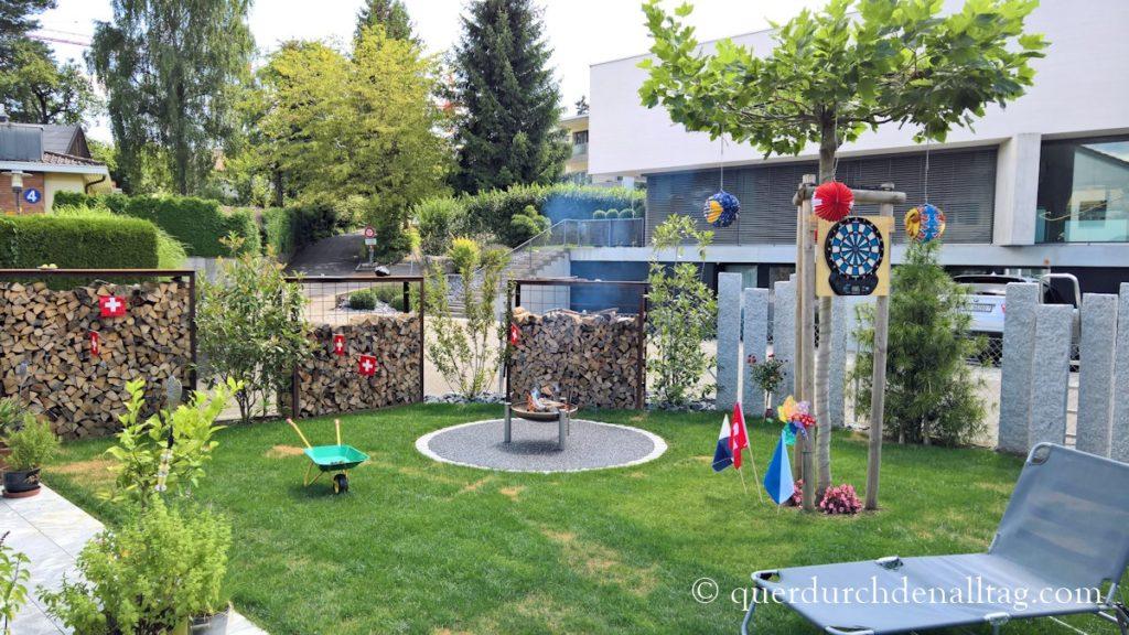 1. August Garten
