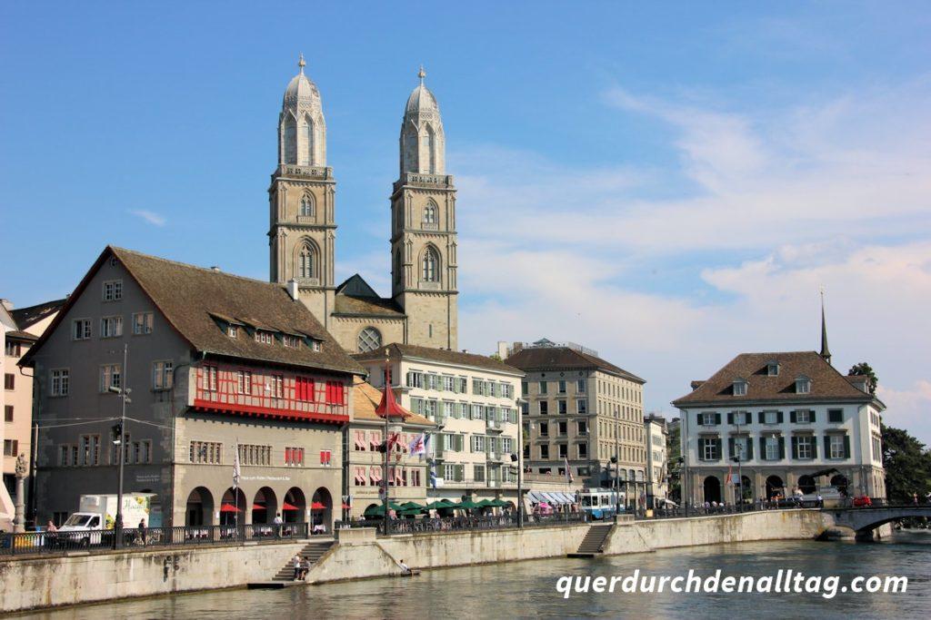 Zürich Limmatquai Grossmünster