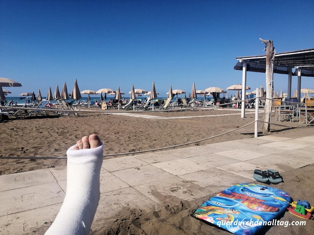 Ferien Toskana Italien Gips Fuss